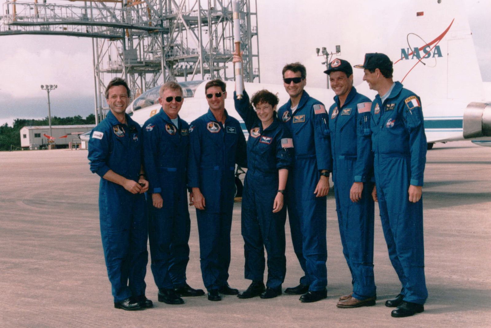 STS-78 - Colombia - 1996 - Flamme olympique - Olympic torch - Equipage - Crew - NASA - Jeux olympiques Atlanta - Jean-Jacques Favier