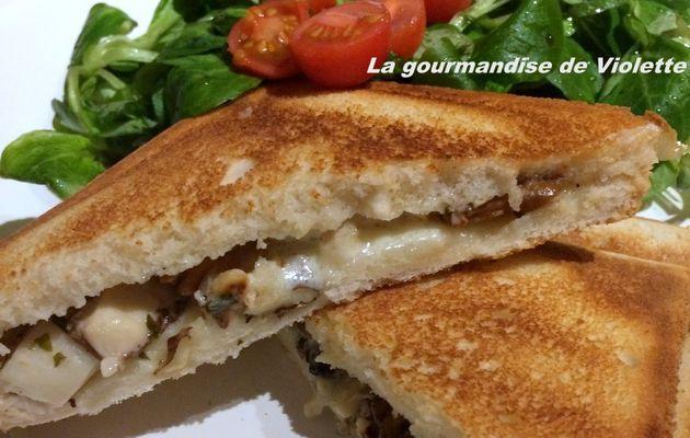 Croque Monsieur aux cèpes, gorgonzola et noisettes