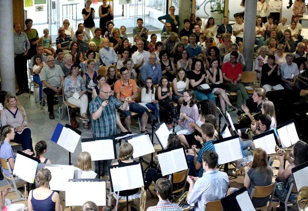Blasorchester unter der Leitung von Andreas Bunzel