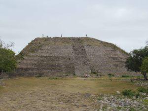 Hacienda, cenote et couvent
