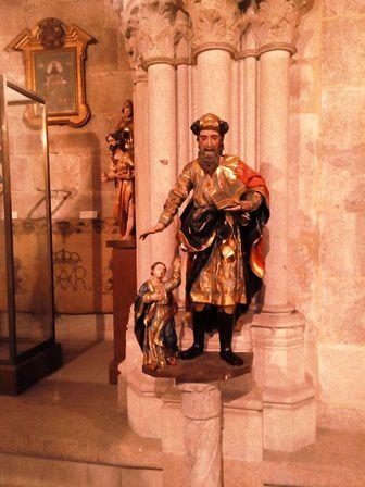 Cathedrale d'Ourense : la salle du trèsor dans l'ancien cloître gothique.