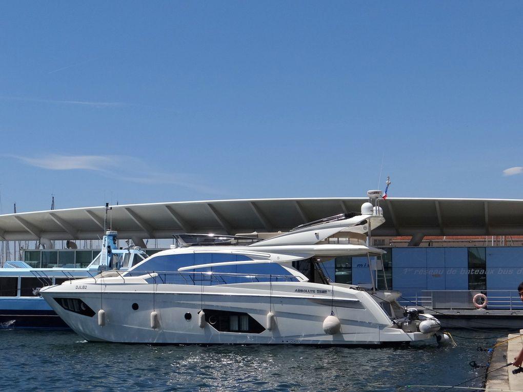 ALNIMA , a quai au carré du port de Toulon les 22 juin et 06 juillet 2018