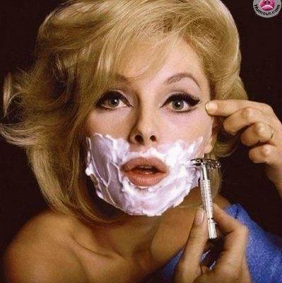 Des filles qui se rasent le visage ?
