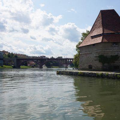 Maribor (Slovénie), balade en solo, vieux centre et parc.