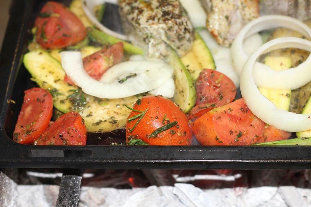 Poisson Grillé aux Herbes(Grilled Fish with vegetables)