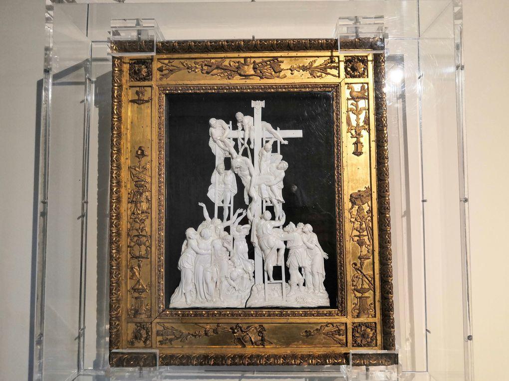 Anonimo fiammingo, Discesa dalla croce, XVI secolo, Dente di ippopotamo intagliato