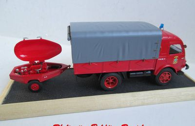 Renault Gallion plateau bâché au 1:43 (Hachette-Collections)
