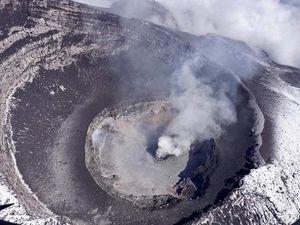 Popocatépetl - survol du cratère le 19 juillet 2019 - Doc. ICCSV & Cenapred / CNPC / Seguridad - un clic pour agrandir