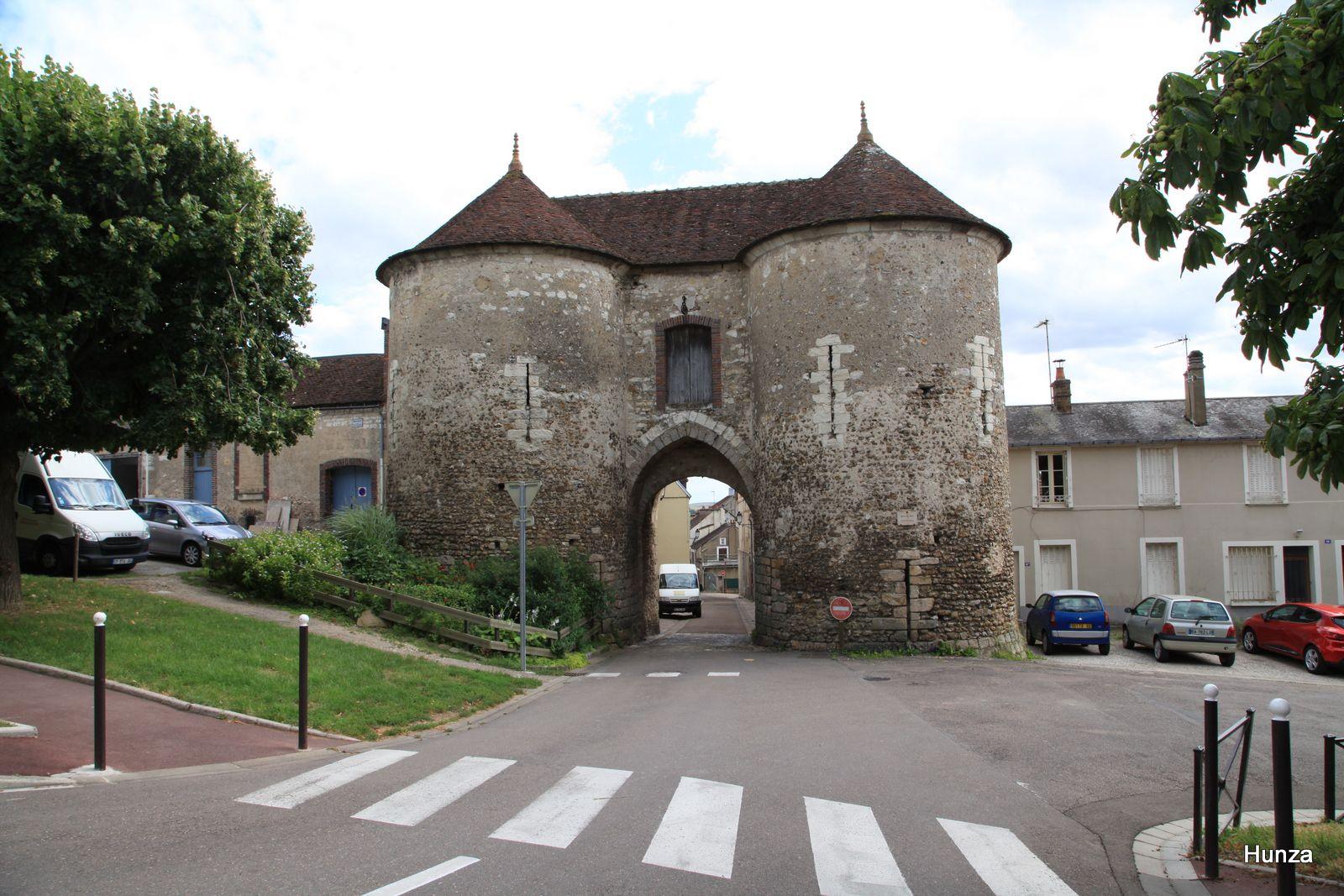 Joigny, porte du Bois