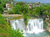 la Bosna, village d'été d'éleveurs en montagne, ruines de forteresse