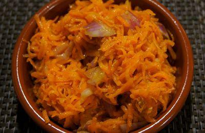Carottes râpées à l'échalote et vinaigrette au gingembre