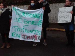 Vivalto: Le Port-Marly : la colère des blouses blanches de la clinique.