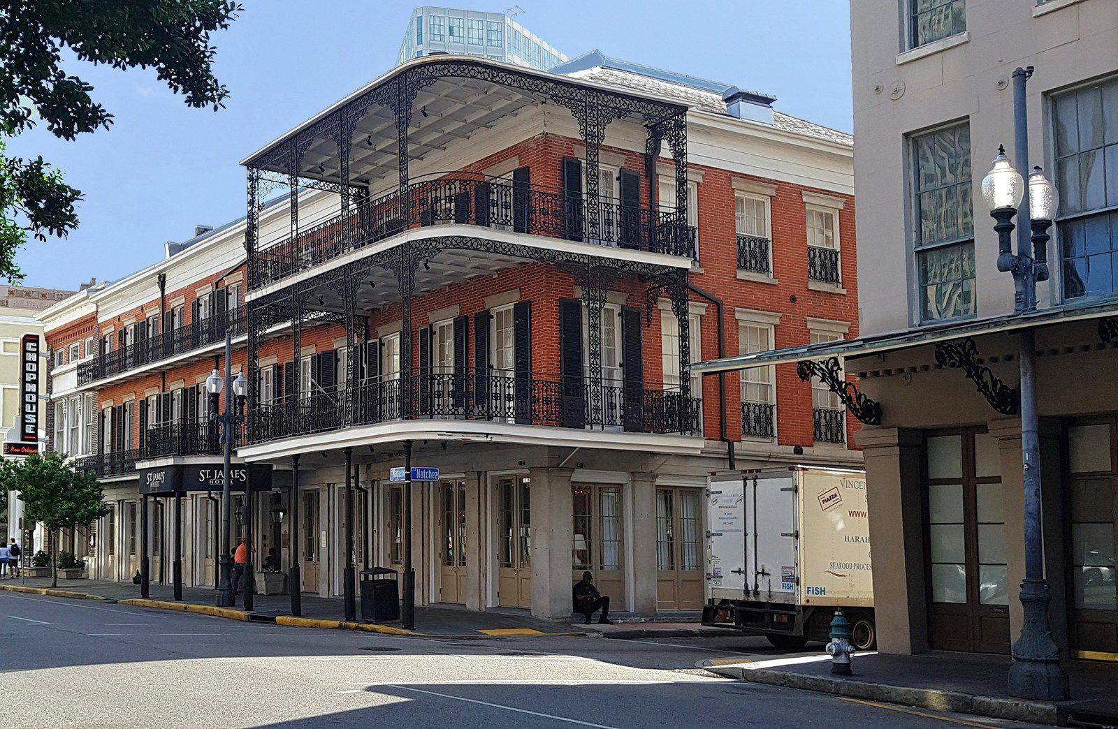 NOLA maisons style hispanique Business district