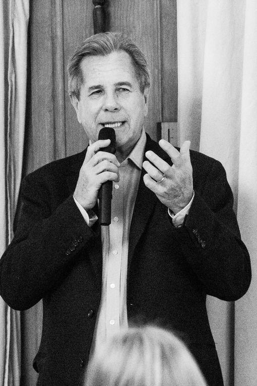 """Valérie Bochenek et Jean Louis Debré présentent """"Ces Femmes qui ont réveillé la France au Lions Club de Saint Germain en Laye"""", photos FrankRJ©"""