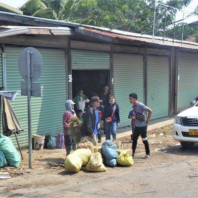 Laos du sud (10) ... Un voyage à la laotienne de Pakse à Savannakhet !