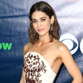 Lizzy Caplan on Learning to Celebrate Your Femininity