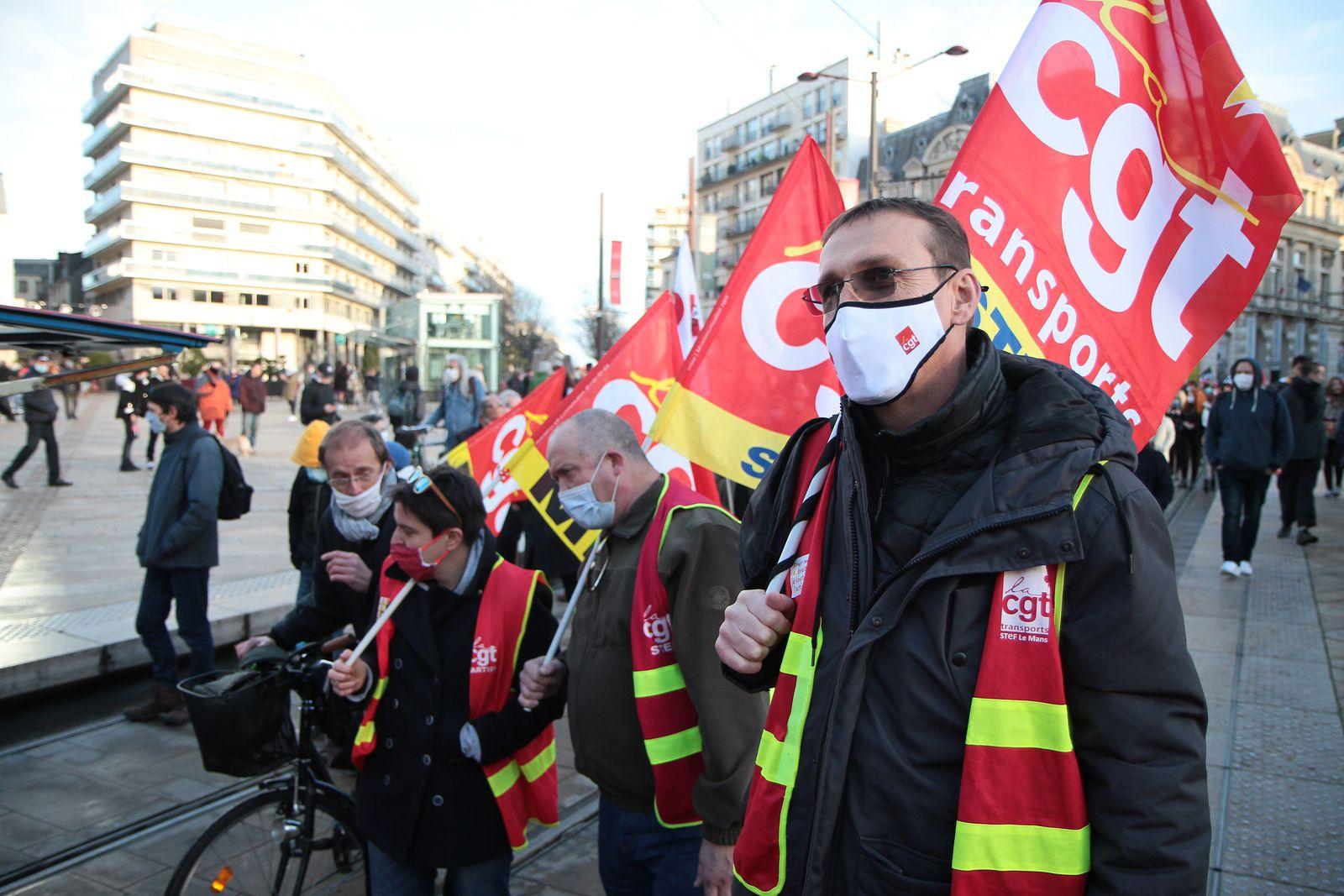 12.12.2020 : 800 dans les rues du Mans contre la loi sécurité Globale