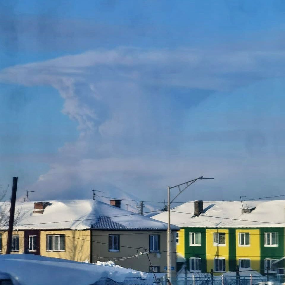 Sheveluch - ash plume from 12.22.2020 - photo Instagram / Soloviev Evgenii via K.Bakhanov