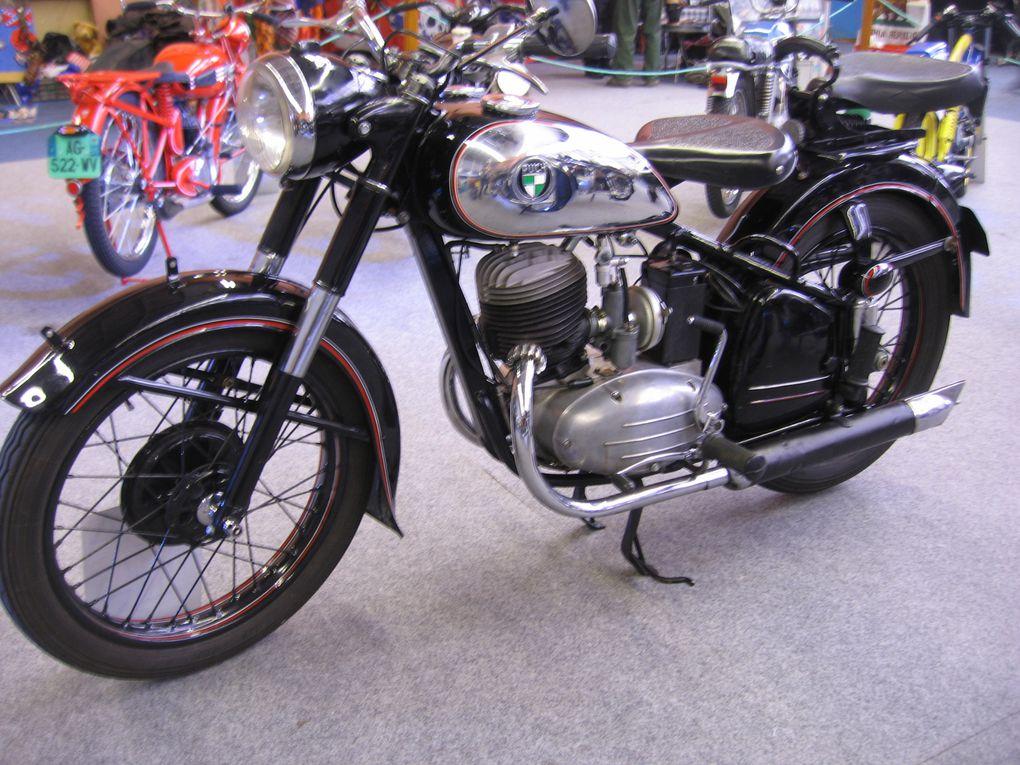 Bourse expo Moto 2014 à Domont Exposition Motos anciennes et de collection