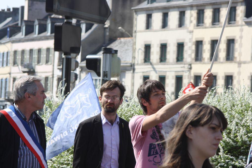 Quelques vues prises à l'occasion de la manifestation du 31 mars 2012 organisée à Quimper - comme dans d'autres villes de France - en faveur de la pleine reconnaissancve des langues régionales.