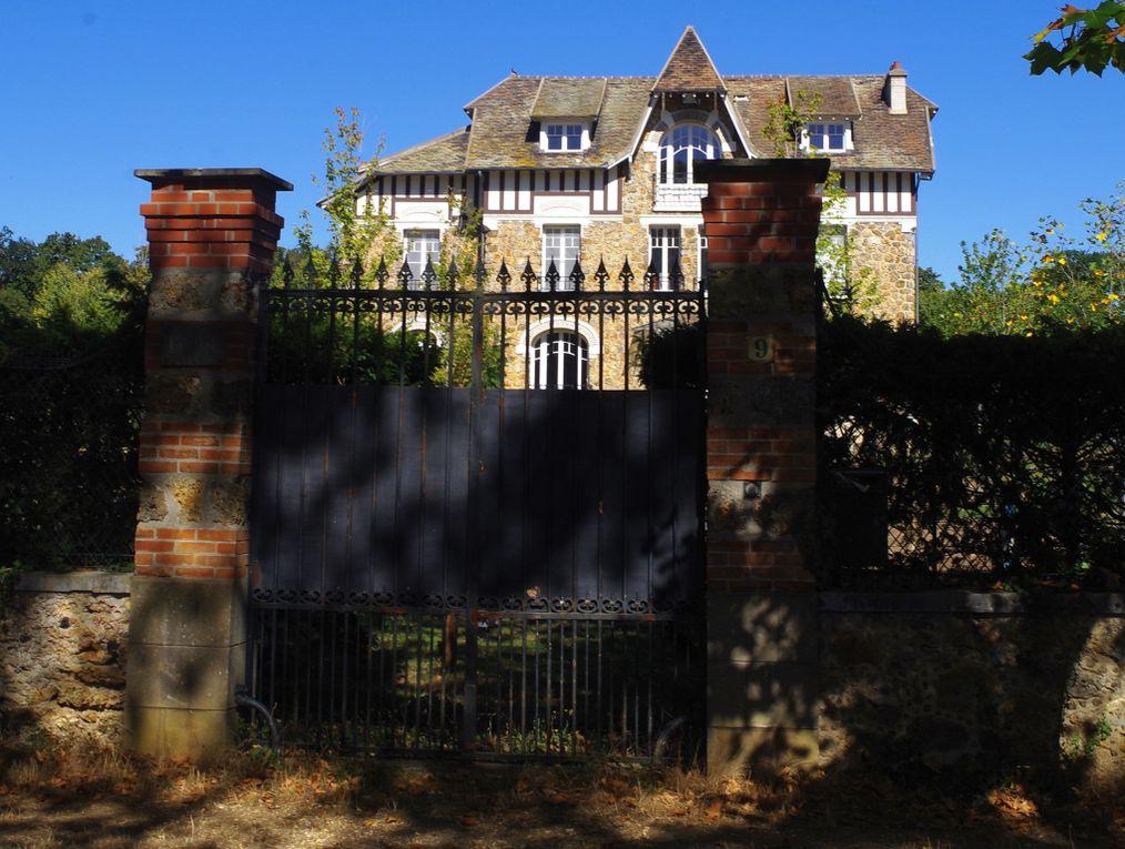 Quelques images du circuit sur les belles demeures du parc de Maisons-Laffitte