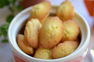 Mini madeleines au zeste d'orange