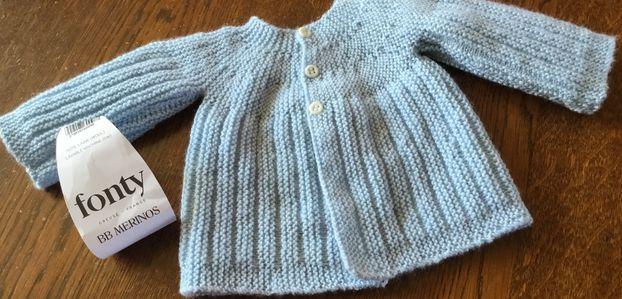 Un joli petit gilet brassière pour bébé 1-3 mois en laine BB mérinos de chez Fonty