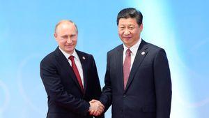 L'autre front : la mise au pas des Russes et des Chinois