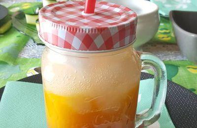 Cocktail sans alcool passion, mangue, banane