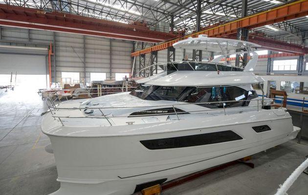 Aquila Power Catamaran lancia il suo centesimo catamarano di 44 piedi