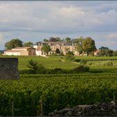 Saint-Emilion ceint de vignes : qui l'eût cru ? - Images du Beau du Monde