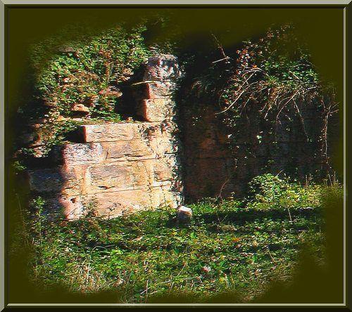 Diaporama château de MONTAIGU à Mercurey