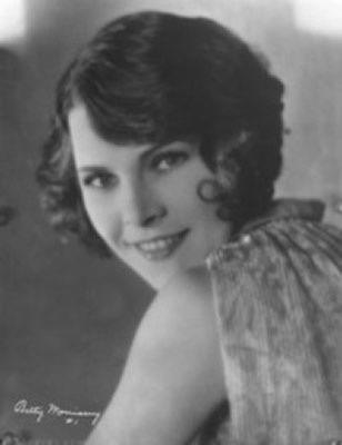L'Opinion publique de Charlie Chaplin avec Edna Purviance - Clarence Geldart - Adolphe Menjou - Lydia Knott - Betty Morrissey - Malvina Polo