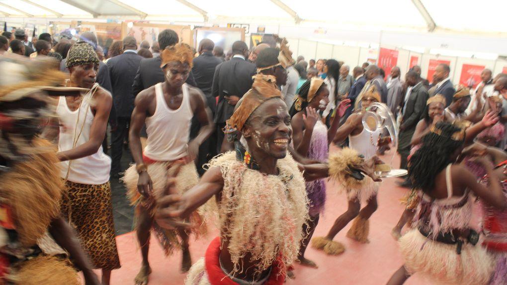 Os grupos folclórico animaram a V FEIRA AGRO - PECUÁRIA E INDUSTRIAL DO UÍGE
