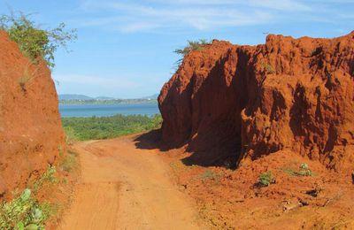 Madagascar - Région de Diego Suarez - Le jungle park et la grotte des perroquets - 4 mars 2013