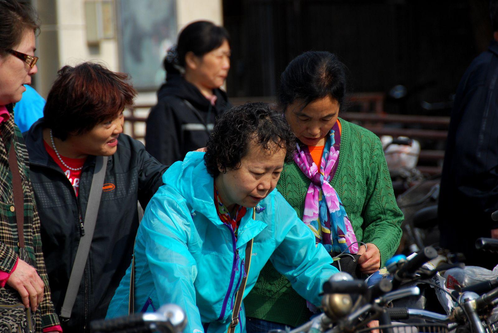 CHINE / 1 / 2014 / On parle d'autre chose, il est 07h59, nous sommes le 29 Octobre
