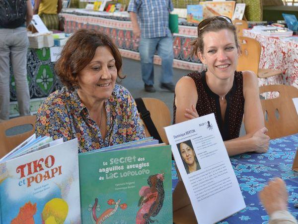 Dominique Berton et Auriane Dumortier en dédicace à la grande librairie Photos JP