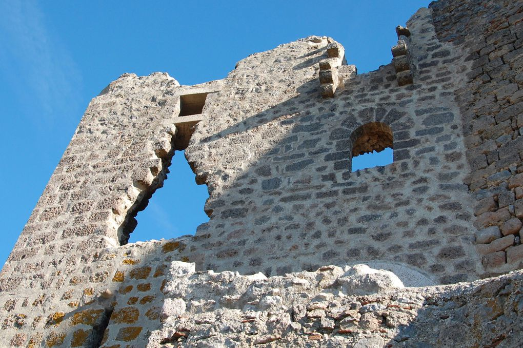 Voici les plus belles photos de ma balade au château cathare de Quéribus. Une balade grandiose à voir