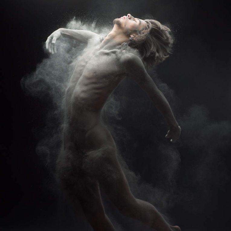 France. Photo. Olivier Valsecchi s'approprie le corps des autres pour générer sa «transe»