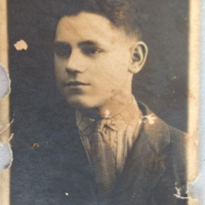 NEAGU MIHAI , Born in 23 November 1924 in Cernauti , in Photo  , NEAGU NICOLAI from Cernauti