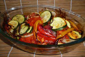 """Méli-mélo de légumes au bacon et sa """"rouille"""" rouge"""