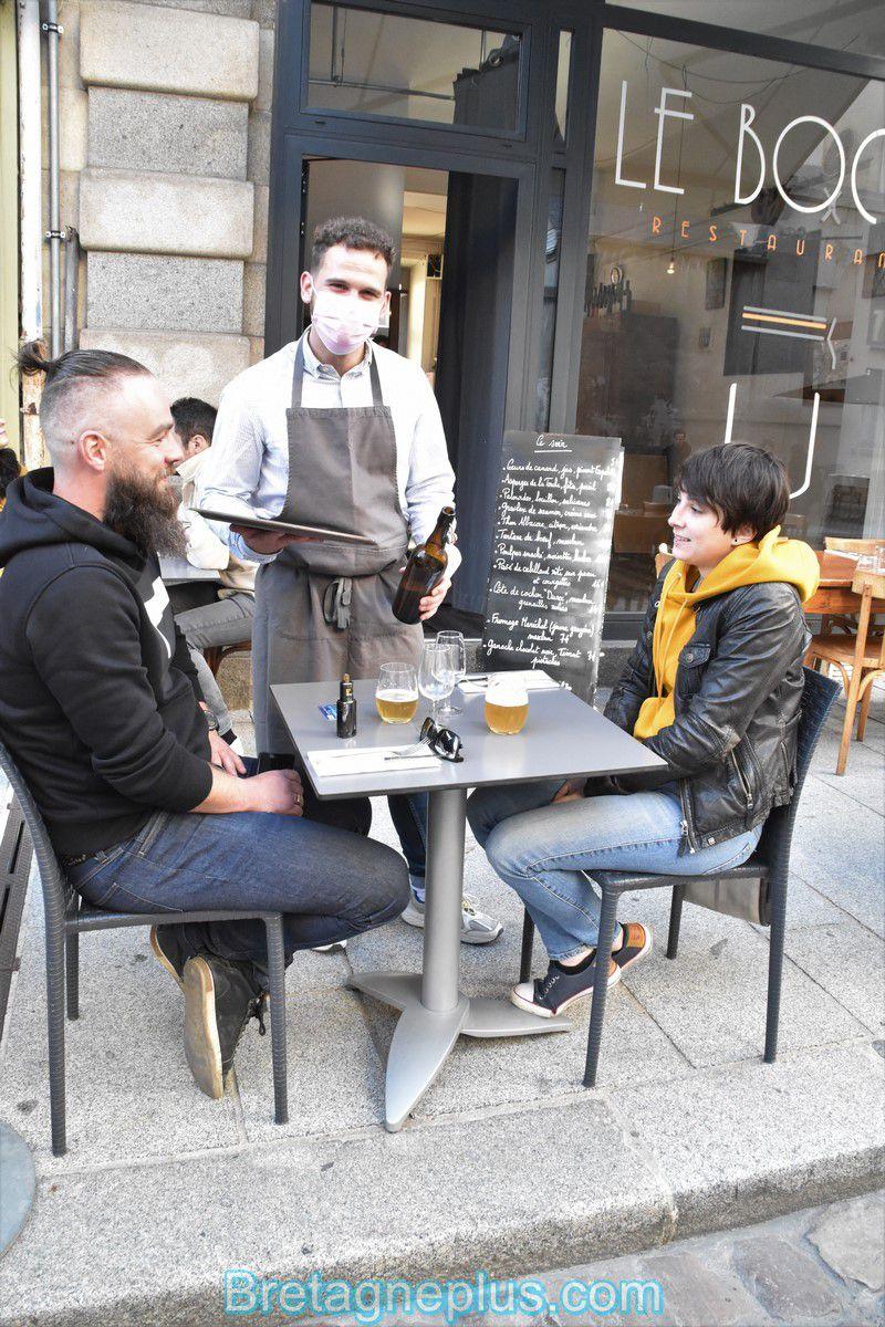 Rennes : Pour la réouverture des terrasses des bars et restaurants, beaucoup de monde !