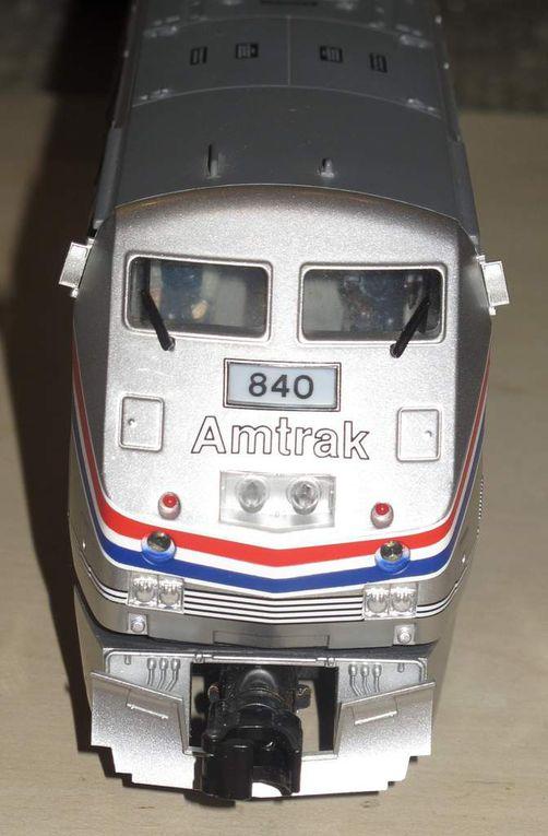 MTH Premier Amtrak G.E. Genesis Diesel et rame Amfleet 3 rails échelle O