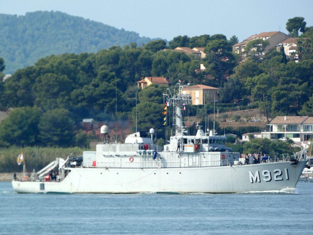 """"""" LOBELIA """" M921 , chasseur de mines de la marine belge , arrivant au port de Toulon le 24 septembre 2020"""