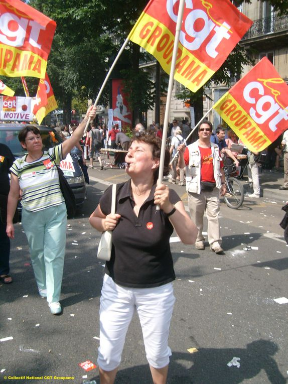manifestation contre la réforme des retraites - 2 millions de personnes en France - Défilé des CGT Groupama dans la manif parisienne