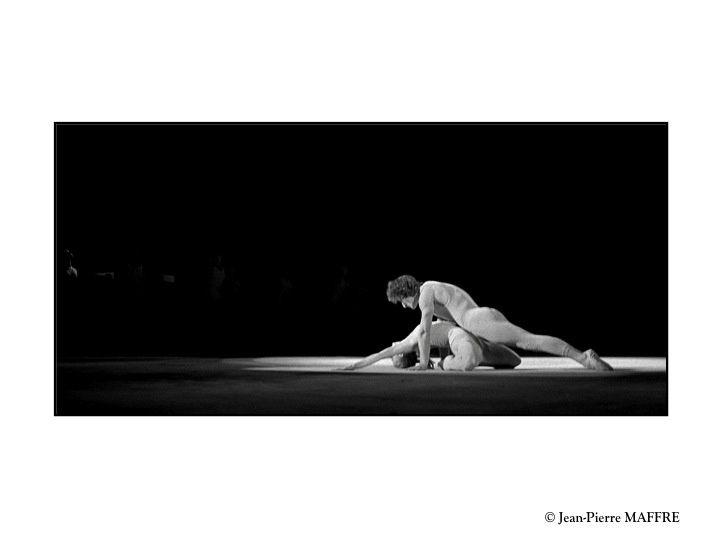 Maurice Béjart a profondément marqué l'histoire de la danse en utilisant merveilleusement les corps humains.