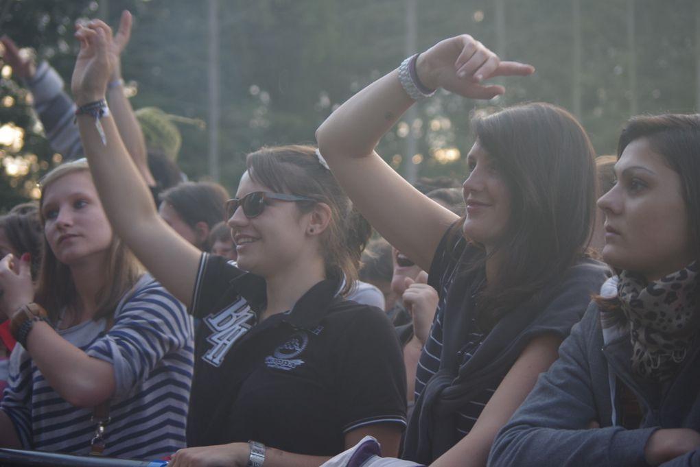 Vendredi 6 et Samedi 7 Juillet, se déroulait, à Bobital (22), le Festival l'Armor à sons. Au programme de ces deux jours,  de nombreux artistes sur les deux scènes.