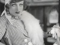 Joan Crawford (1904 - 1977)