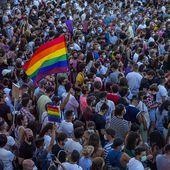 Homosexualité: le meurtre d'un jeune battu à mort secoue l'Espagne