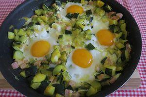 Courgettes au bacon et œufs - light